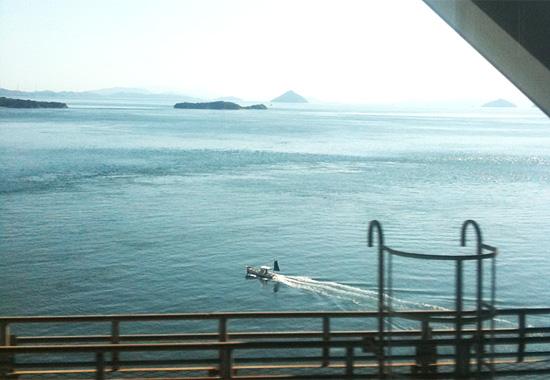 マリンライナーから見る瀬戸内海